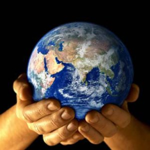 earth-in-our-handsw